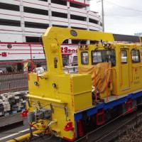 南海電鉄工務部車両そろい踏み  台風に備えて