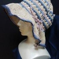 今日は、レモンちゃんに編んだ夏帽子です。