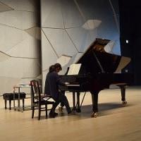 秋葉のホールであなたもピアニスト