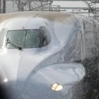 雪舞い降り低速走行