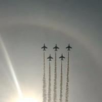 ブルーインパルスの展示飛行見てきました。