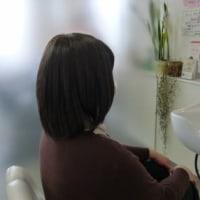 抗がん剤治療が始まる前、医療用ウィッグを作る際に自分の髪を短くしておいた方が良いですか?