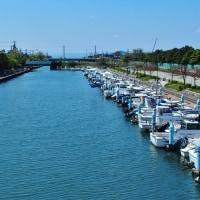 暑い日、水辺の景色を求めて岩瀬浜から岩瀬運河へ・・・富山市岩瀬