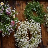 季節を問わず使える、造花のカスミ草