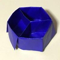 正六角形の仕切り箱。
