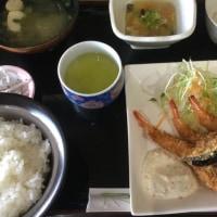 12月1日の日替わり定食550円は エビフライ、自家製タルタルソース です。