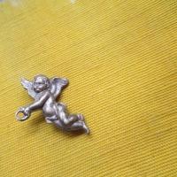 Old vintage pin brooch Angel イギリス製