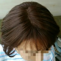 自然なウィッグで綺麗めヘアスタイリング