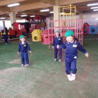 みどり 4歳児 戸外遊び・ピアニカ練習