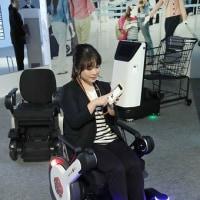 自律走行の車椅子=最新技術で誘導-パナソニック