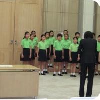 〇【小池百合子都知事「涙が出ちゃいました」】・・・・・・ 小学生合唱団の歌声に感動!