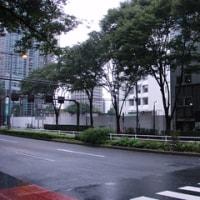 中央線新宿駅(西新宿六丁目西側の更地)