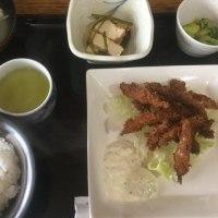 2月23日の日替り定食550円は キビナゴのフライ、自家製タルタルソース です。