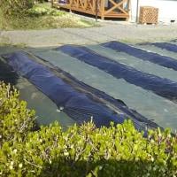 菜園のマルチ敷、防草シート