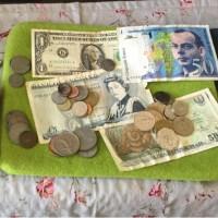 使い残しの紙幣とコイン