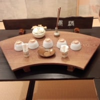 桜(蘭)香煎茶手前