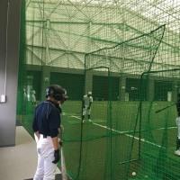 阿南市室内多目的施設 あななんアリーナ で野球部は練習をしています。