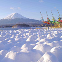 富士北麓地方は11月にして!!雪景色です!!