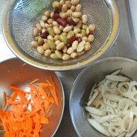白ねり胡麻入り 蓮根とお豆のサラダ