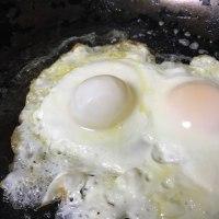 """黄身のない卵にびっくり!!""""きみがわるい""""、、、、"""