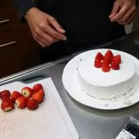 お誕生日ケーキ作り