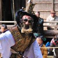 一番最初に踊られる「鬼神舞」です。 (Photo No.14060)