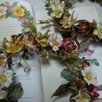ジョセフ・ルドーテの薔薇図譜からリースの薔薇作りました