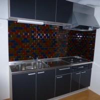 スタイリッシュなモザイクタイルのキッチンができあがりました