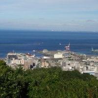 旭展望台からの町と港
