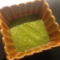 パクチーを使ったインド風のソースで蒸し餃子を!