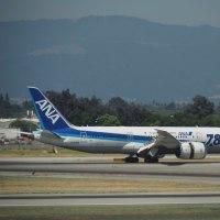 2017年6月24日,San Jose空港にて ANA B787-8