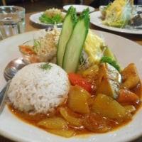 カフェ ピアニッシモ~人参のエビフライ~お野菜いっぱいカレー  オーガニックのランチ