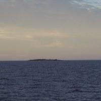 2016年小笠原村硫黄島慰霊墓参(395)小笠原丸で硫黄島を周回(106)監獄岩