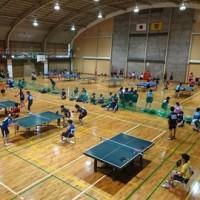 伊万里市職域対抗卓球大会が開催されました。