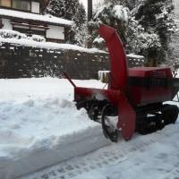 山の家は、積雪25cm程・・・今冬初の本格的な除雪作業でした。
