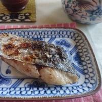 お昼ご飯は  サワラ塩焼き