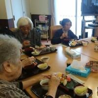 本日の昼食はお寿司です!(^^)!
