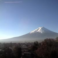 快晴続き17℃超へ 富士山見えて波はない 明日から8日までブログお休み