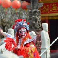 ランタンフェスティバルの「中国変面ショー」