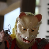 村祭りの獅子舞