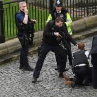 ウェストミンスター橋で、ロンドン・テロ。