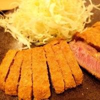 京都勝牛のロースカツ膳とヱビス スタウト クリーミートップ