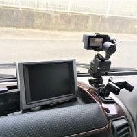 フロントボード上に「GoPro HERO5 black」と「Zhiyun Z1-Rider-M」を設置