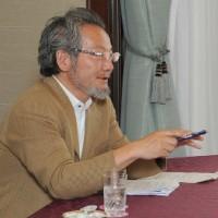 憲法と安全保障を問う ----  対談 井上達夫・東京大大学院教授、木村草太・首都大学東京教授