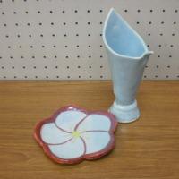 中根さんの花器と梅型皿