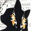 ぶら下がり猫ピアス うちの猫に似てる 三毛猫ピアス 広島猫雑貨 猫バスつり革