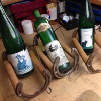 蹄鉄で作るワインボトルホルダー完了!