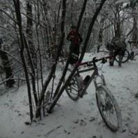 雪山を楽しむ