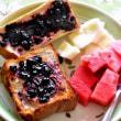 今日の朝食づくり 即製のブルーベリージャム