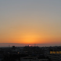 朝空に ☆シリウスと月が同時に見えました